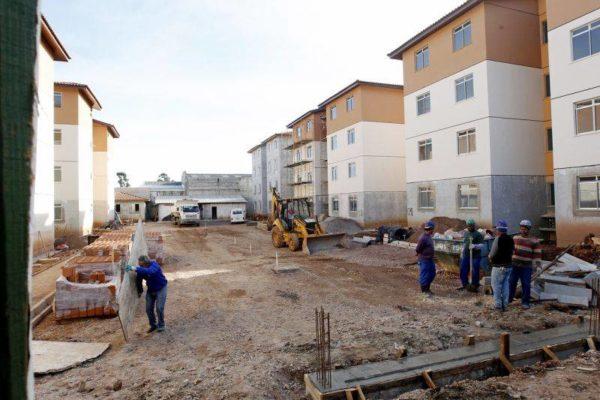 Na mira dos cortes do governo, Minha Casa Minha Vida é o oxigênio da construção civil