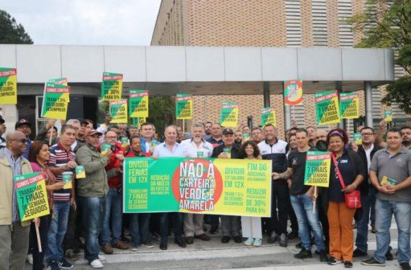 Sindicalistas da CUT e centrais denunciam fim de direitos com MP Verde e Amarela